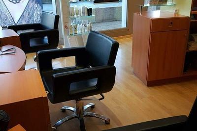 Nouveaux fauteuils au salon Linéa Coiffure - Plérin