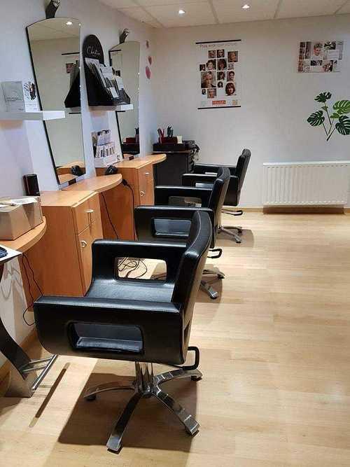 Nouveaux fauteuils au salon Linéa Coiffure - Plérin 957620058681673136852571543704597296578560n